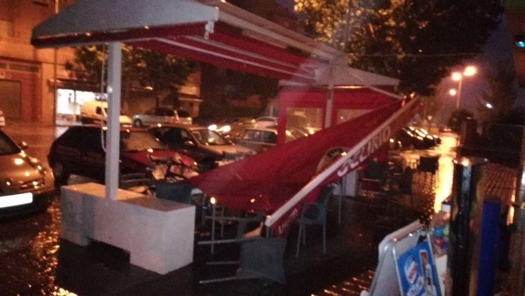 Un toldo hiere a un camarero al caer por la tormenta en albacete - Toldos en albacete ...