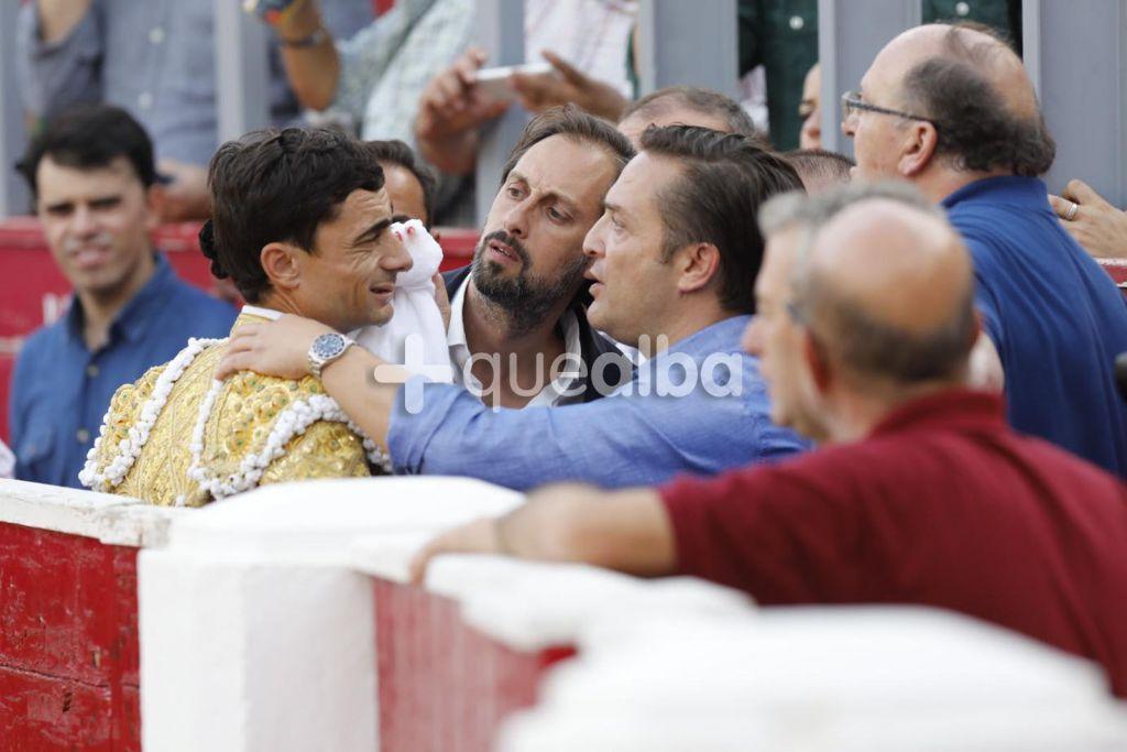 En Palencia … Urdiales y Toñete cortan un trofeo. Ureña cae herido