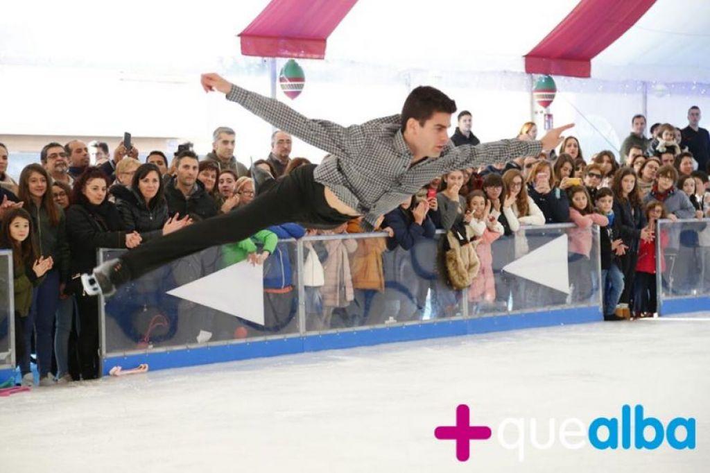 Espect culo gratuito de patinaje art stico en el corte Espectaculo artistico de caracter excepcional
